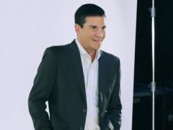 EXCLUSIVE: Edu Manzano weighs in on social media in time for Christmas season
