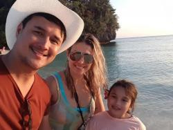 John Estrada and Priscilla Meirelles celebrate 8th anniversary as husband and wife